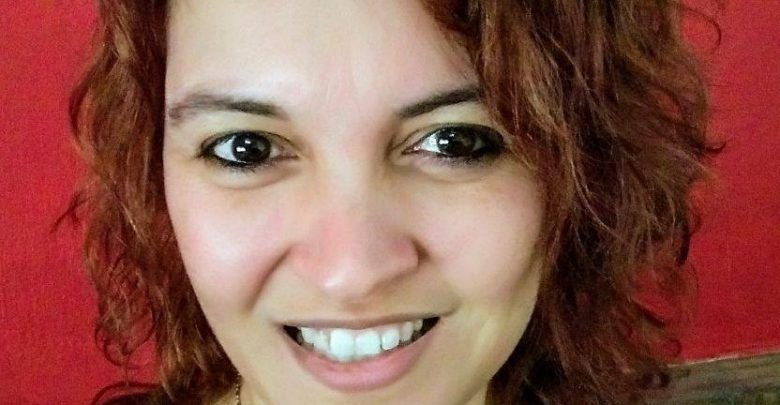 Paula Flores es además profesora de Lengua Inglesa.